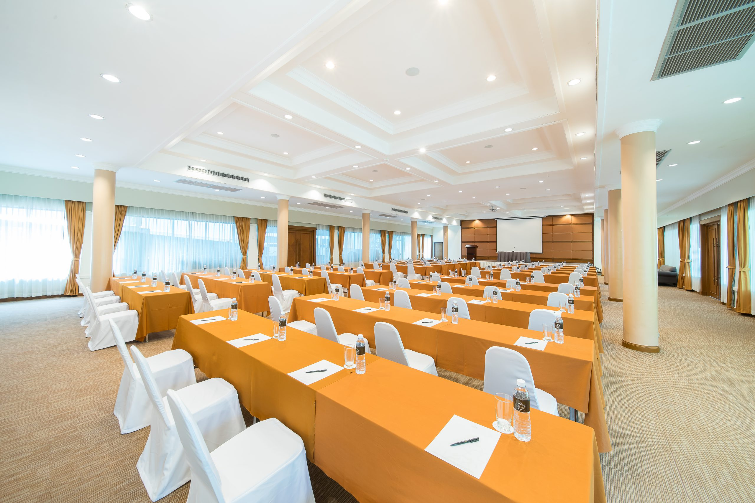 Group_Naithonburi Ballroom (1)