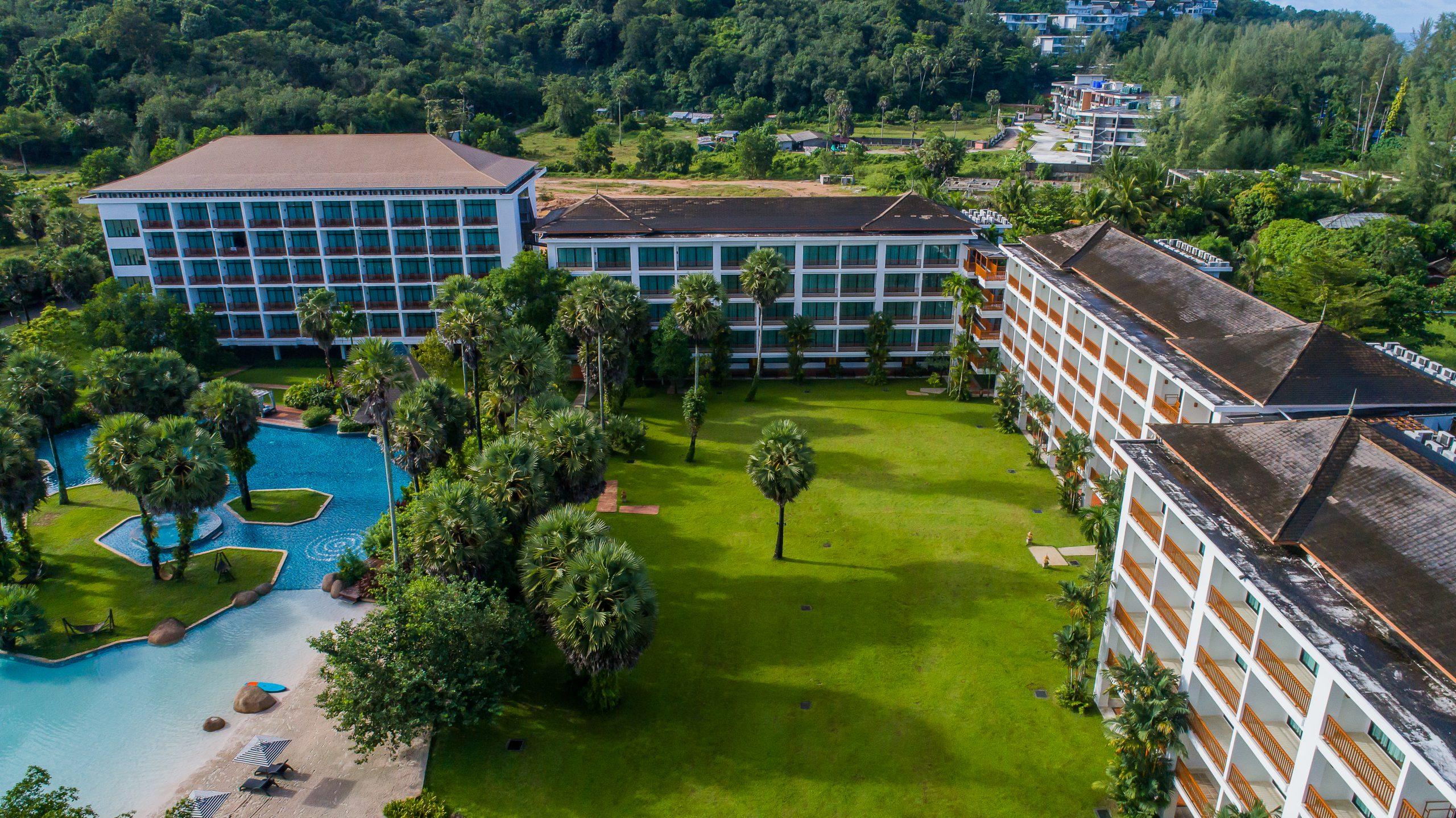 Group_Naithonburi Hidden Lagoon Lawn (1)