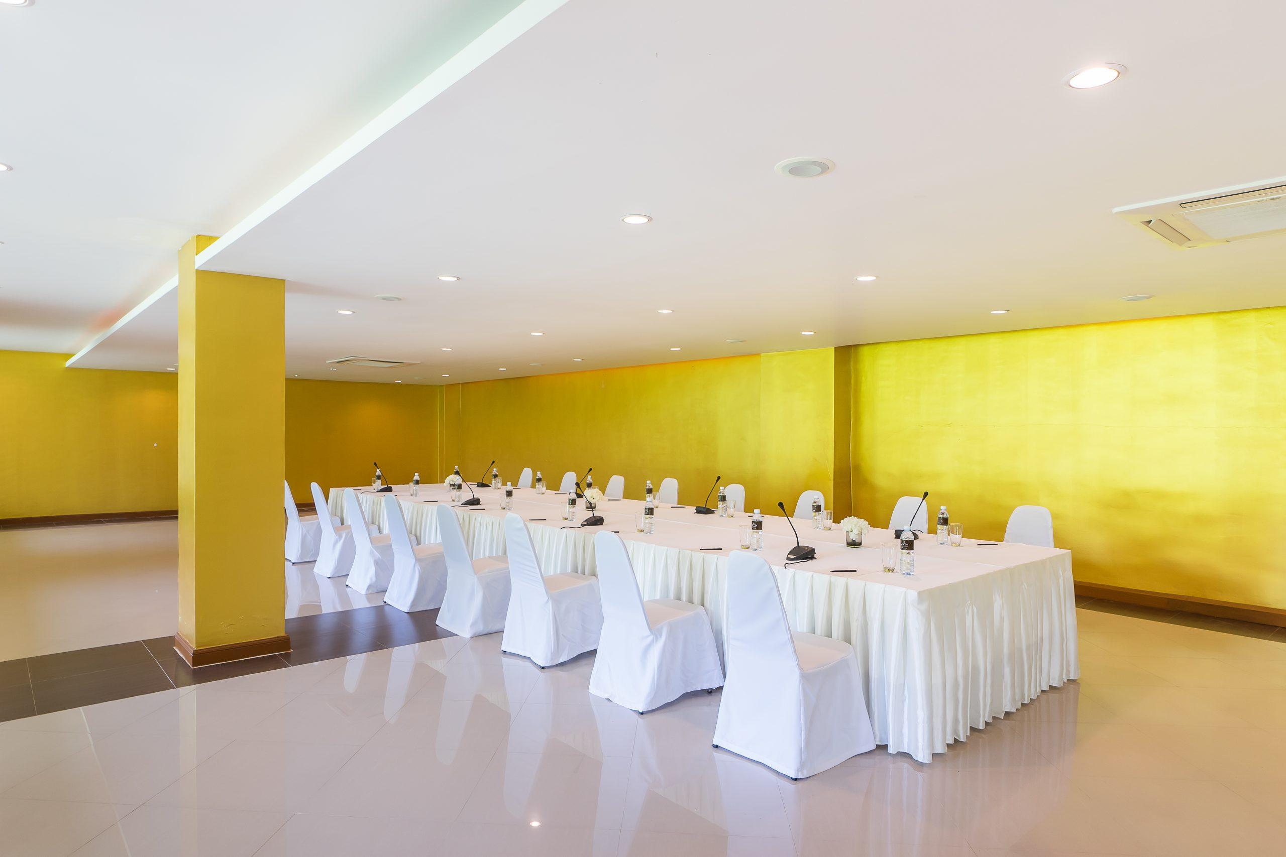 Group_Naithonburi Meeting Room (2)