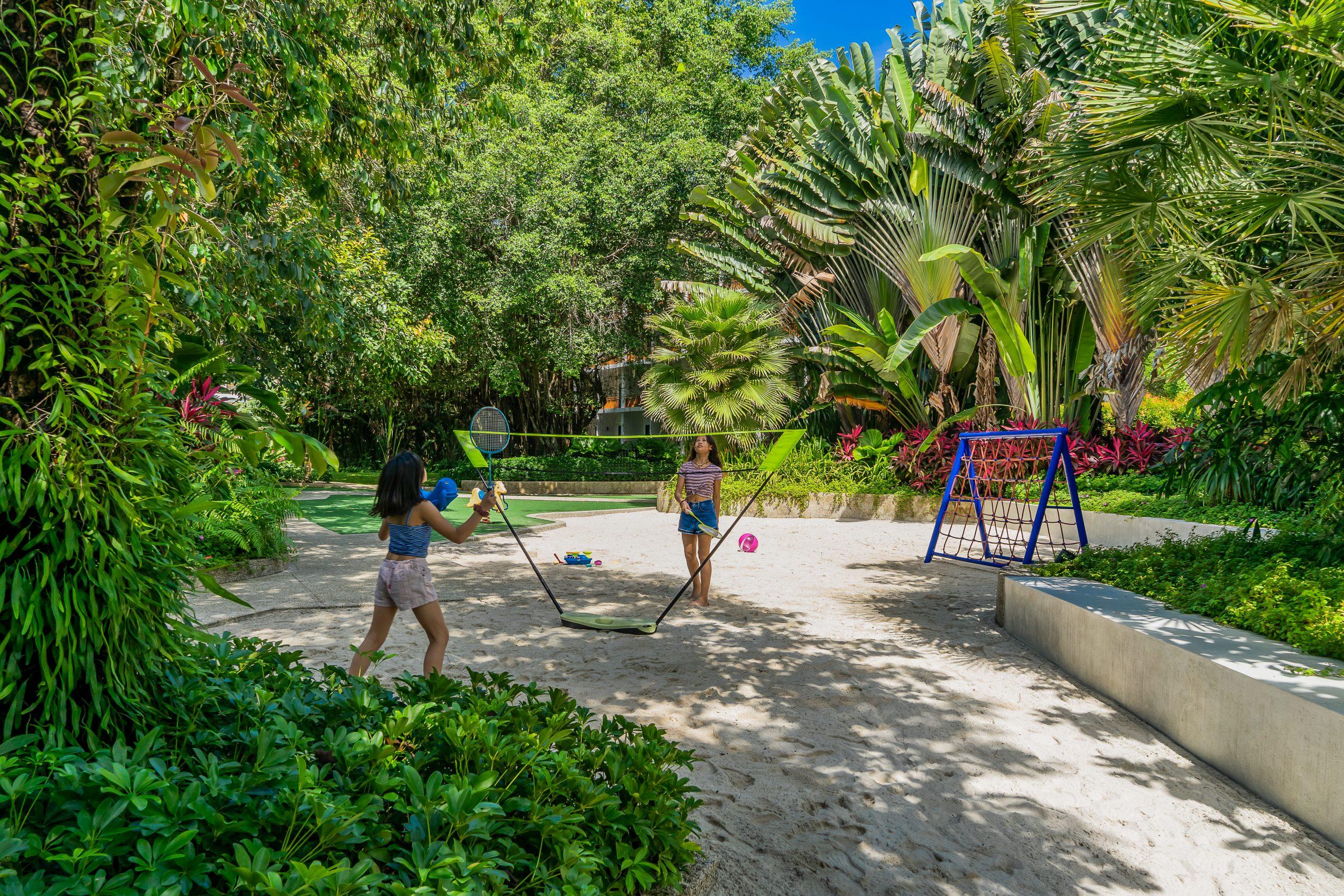 ResortFacilities_GameRoom_Playground_BG1