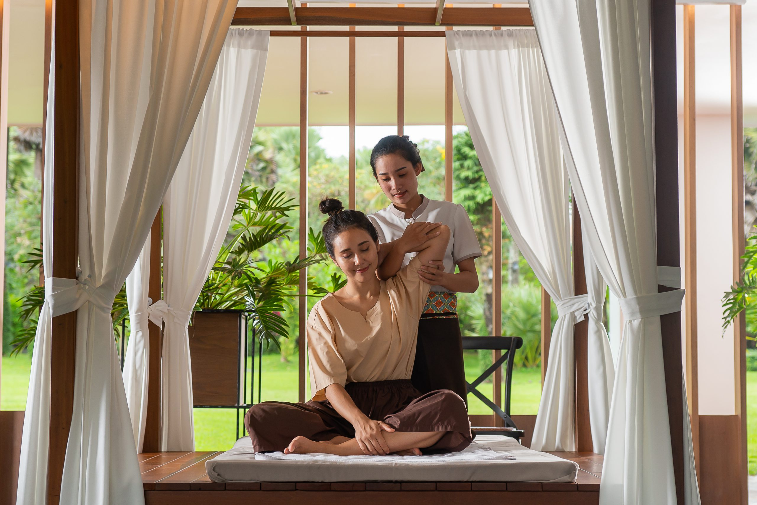 ResortFacilities_MassageGarden_BG3