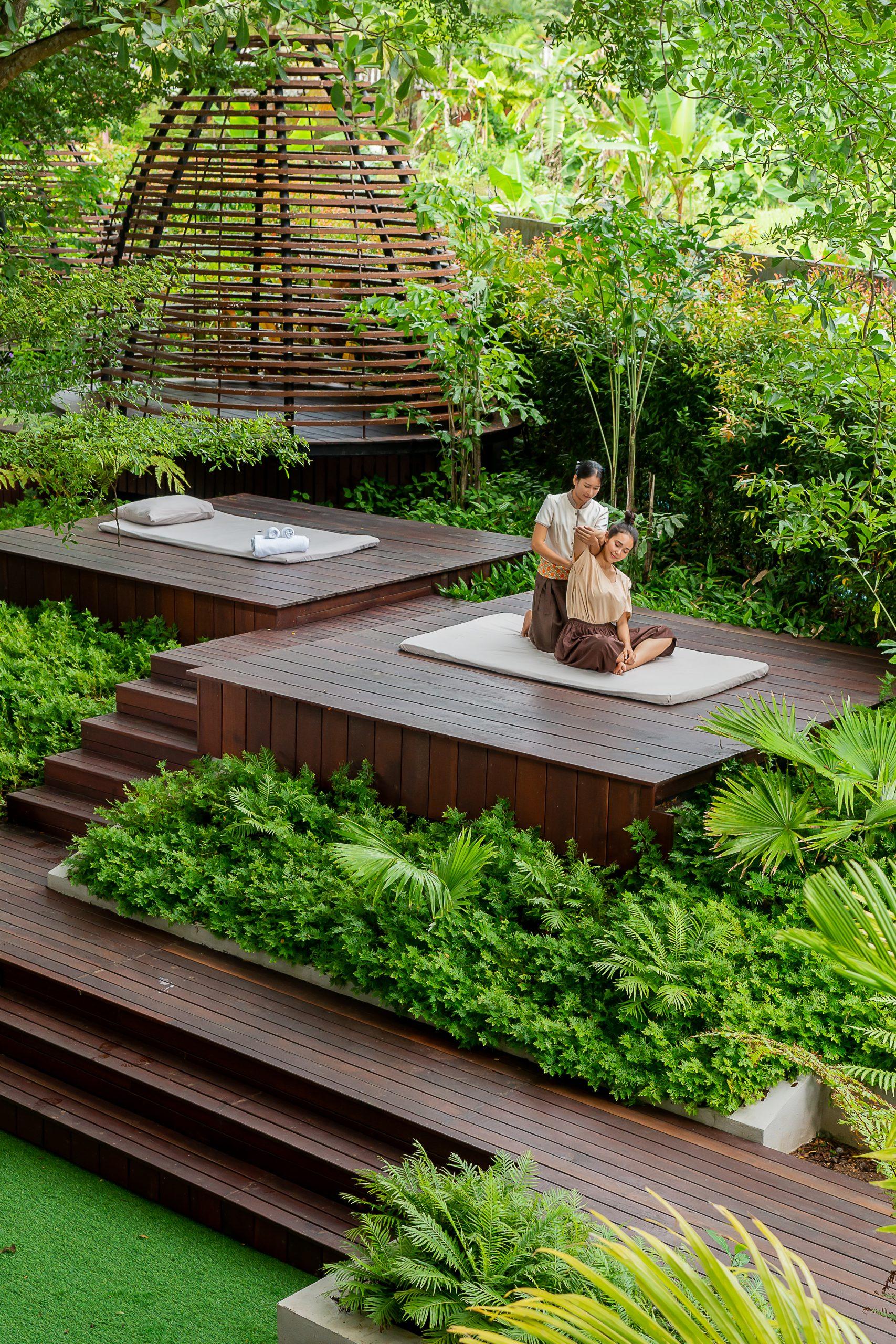 ResortFacilities_MassageGarden_SQ2
